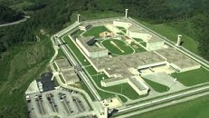 Big Sandy Penitentiary, 2003
